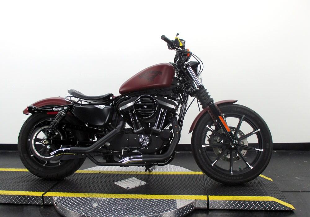 2017 Harley-Davidson Sportster Iron 883 XL883N Sportster