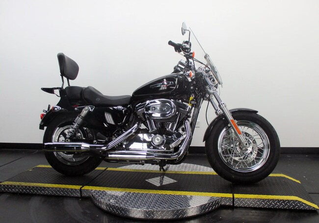 Used 2017 Harley-Davidson Sportster Custom XL1200C Sportster For Sale near Chicago, IL