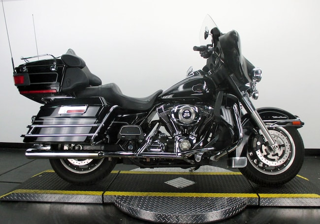 Used 2008 Harley-Davidson Electra Glide Ultra Classic FLHTCU Touring For Sale near Chicago, IL