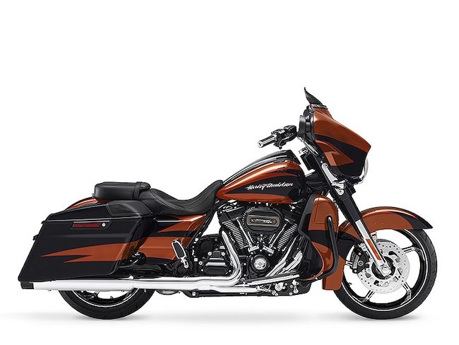 New 2017 Harley-Davidson CVO Street Glide FLHXSE CVO For Sale near Chicago, IL