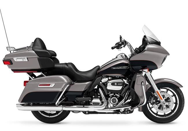 New 2017 Harley-Davidson Road Glide Ultra FLTRU Touring For Sale near Chicago, IL