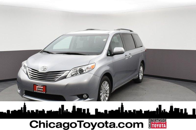 2017 Toyota Sienna XLE Mini-van, Passenger