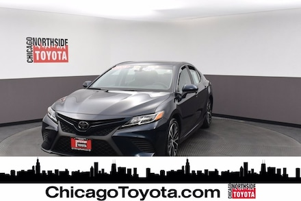Featured Used 2018 Toyota Camry SE Car for Sale in Chicago, IL