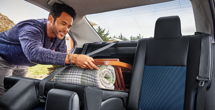 2019 Toyota Corolla rear split seats