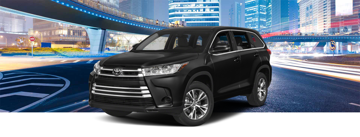 2018 Toyota Highlander MLP with background