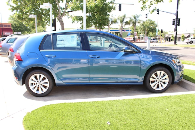 2019 Volkswagen Golf TSI SE 4-Door Hatchback