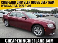 New 2019 Chrysler 300 TOURING Sedan 19L410 2C3CCAAGXKH746206 Chiefland, near Gainesville