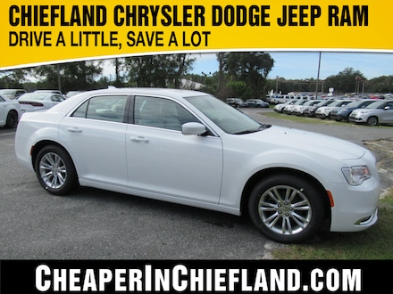 2019 Chrysler 300 TOURING Sedan 19L422 2C3CCAAG8KH746205