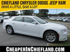 New 2019 Chrysler 300 TOURING Sedan 19L422 2C3CCAAG8KH746205 Chiefland, near Gainesville