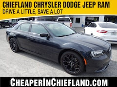 New 2019 Chrysler 300 TOURING Sedan 19L216 2C3CCAAG6KH590259 Chiefland