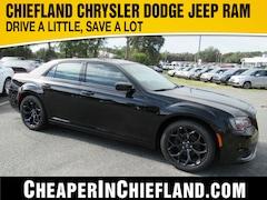 New 2019 Chrysler 300 TOURING Sedan 19L411 2C3CCAAG1KH743520 Chiefland, near Gainesville