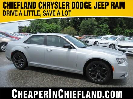 2019 Chrysler 300 Touring Touring  Sedan