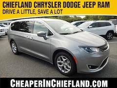 New 2019 Chrysler Pacifica TOURING PLUS Passenger Van 19P318 2C4RC1FG4KR702937 Chiefland
