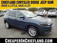 New 2019 Jeep Cherokee LATITUDE FWD Sport Utility 19R203 1C4PJLCB3KD396415 Chiefland