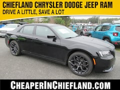 New 2020 Chrysler 300 TOURING Sedan 20L151 2C3CCAAGXLH112203 Chiefland, near Gainesville
