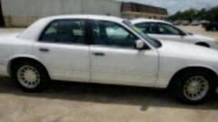1999 Ford Crown Victoria LX Sedan