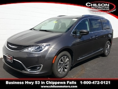 New 2019 Chrysler Pacifica TOURING L PLUS Passenger Van 2C4RC1EG5KR721983 for sale near Eau Claire at Chilson Chrysler Dodge Jeep Ram FIAT
