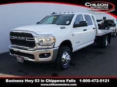 new 2019 Ram 3500 TRADESMAN CREW CAB CHASSIS 4X4 172.4 WB Crew Cab 3C7WRTCL8KG537546 for sale near Eau Claire at Chilson Chrysler Dodge Jeep Ram FIAT