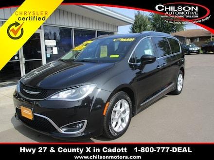 2017 Chrysler Pacifica Touring L Plus Minivan/Van 2C4RC1EG3HR541412