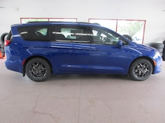 New 2019 Chrysler Pacifica TOURING L Passenger Van for sale/lease in Painted Post, NY
