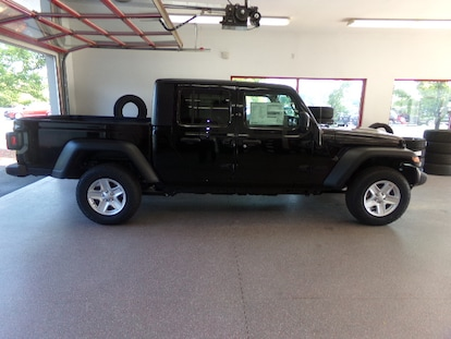 New 2020 Jeep Gladiator SPORT S 4X4 For Sale in Painted Post, NY   VIN#  1C6HJTAG1LL120431