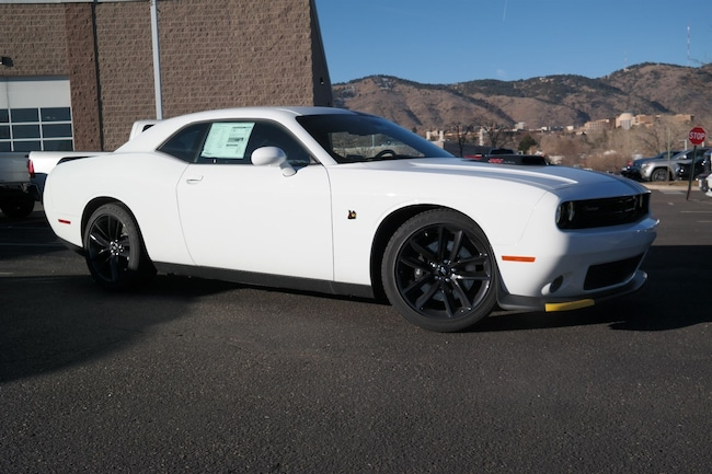 New  2019 Dodge Challenger R/T SCAT PACK Coupe Golden CO