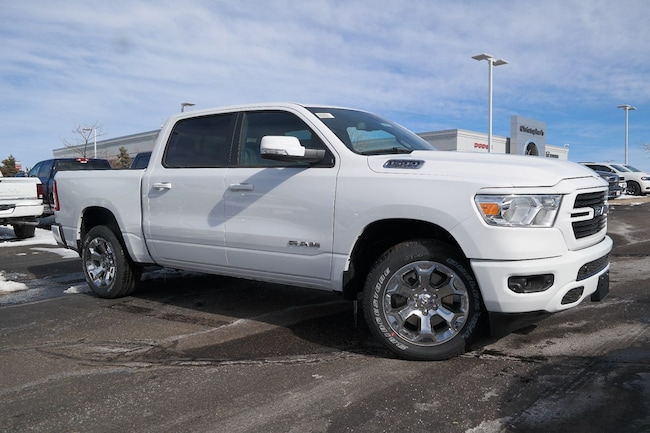 New  2019 Ram 1500 BIG HORN / LONE STAR CREW CAB 4X4 5'7 BOX Crew Cab Golden CO