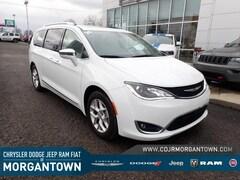 2020 Chrysler Pacifica Limited FWD Van Passenger Van