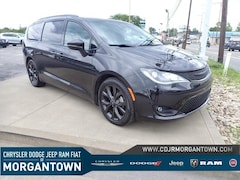 2018 Chrysler Pacifica Limited FWD Van