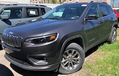 New 2019 Jeep Cherokee LATITUDE PLUS 4X4 Sport Utility 1C4PJMLB5KD405072 for Sale in Stroudsburg