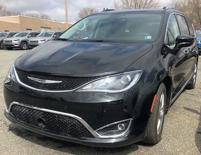 New 2019 Chrysler Pacifica TOURING L PLUS Passenger Van in Stroudsburg, PA