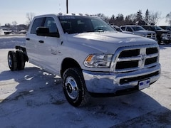 2018 Ram 3500 Chassis Cab 3500 SLT CREW CAB CHASSIS 4X4 172.4 WB Crew Cab