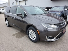 New Vehicles 2020 Chrysler Pacifica TOURING Passenger Van in Winona, MN