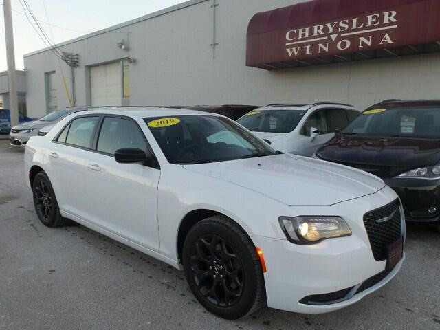 Chrysler Dealership Mn >> Chrysler Winona Dealership New 2018 2019 Inventory Rochester Mn