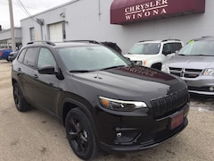 New Vehicles 2020 Jeep Cherokee ALTITUDE 4X4 Sport Utility in Winona, MN