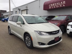 New Vehicles 2020 Chrysler Pacifica TOURING L PLUS Passenger Van in Winona, MN