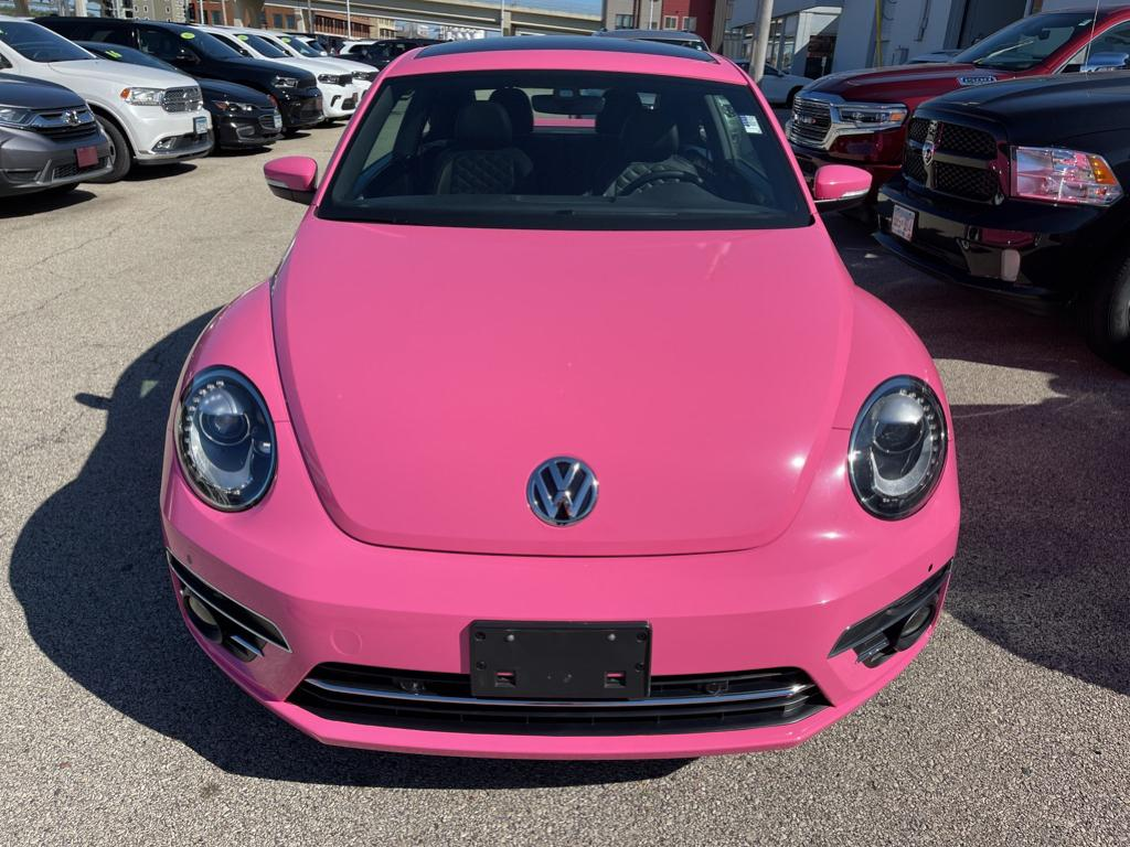 Used 2019 Volkswagen Beetle SEL FINAL EDITION with VIN 3VWFD7AT2KM701555 for sale in Winona, Minnesota