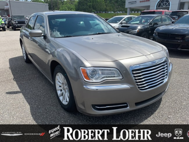 2014 Chrysler 300 Base Sedan 2C3CCAAG1EH252658