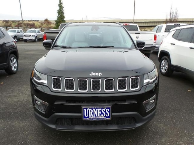new 2017 jeep compass latitude 4x4 sport utility for sale in the dalles or stock 692311. Black Bedroom Furniture Sets. Home Design Ideas