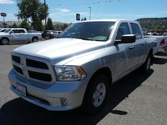 New 2018 Ram 1500 EXPRESS CREW CAB 4X4 5'7 BOX Crew Cab in The Dalles