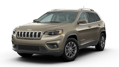 Buy a 2020 Jeep Cherokee LATITUDE PLUS 4X4 Sport Utility in The Dalles, OR