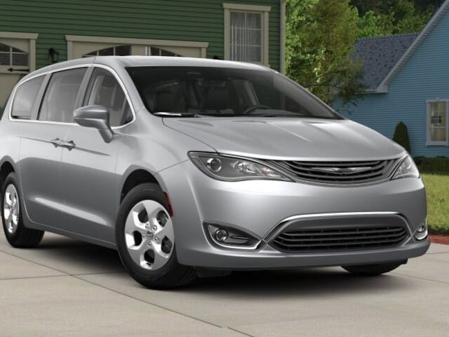 New 2018 Chrysler Pacifica Hybrid TOURING PLUS Passenger Van for sale in The Dalles