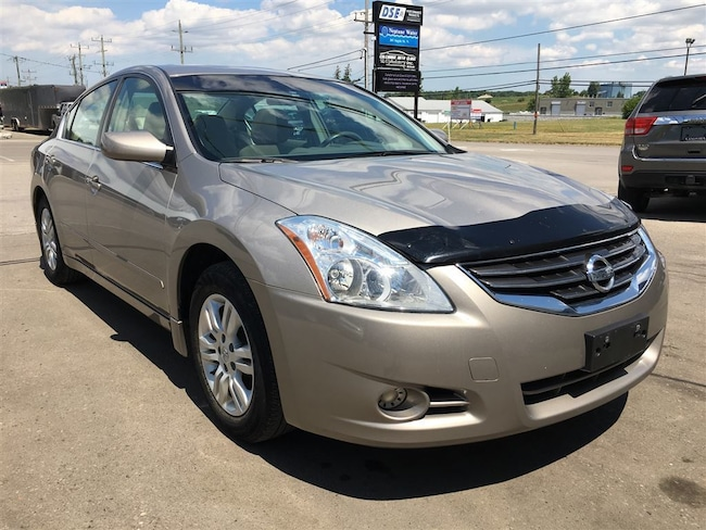 2011 Nissan Altima 2.5 S | Sunroof | Heated Seats Sedan
