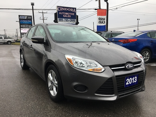 2013 Ford Focus SE | Heated Seats | Bluetooth | A/C Sedan