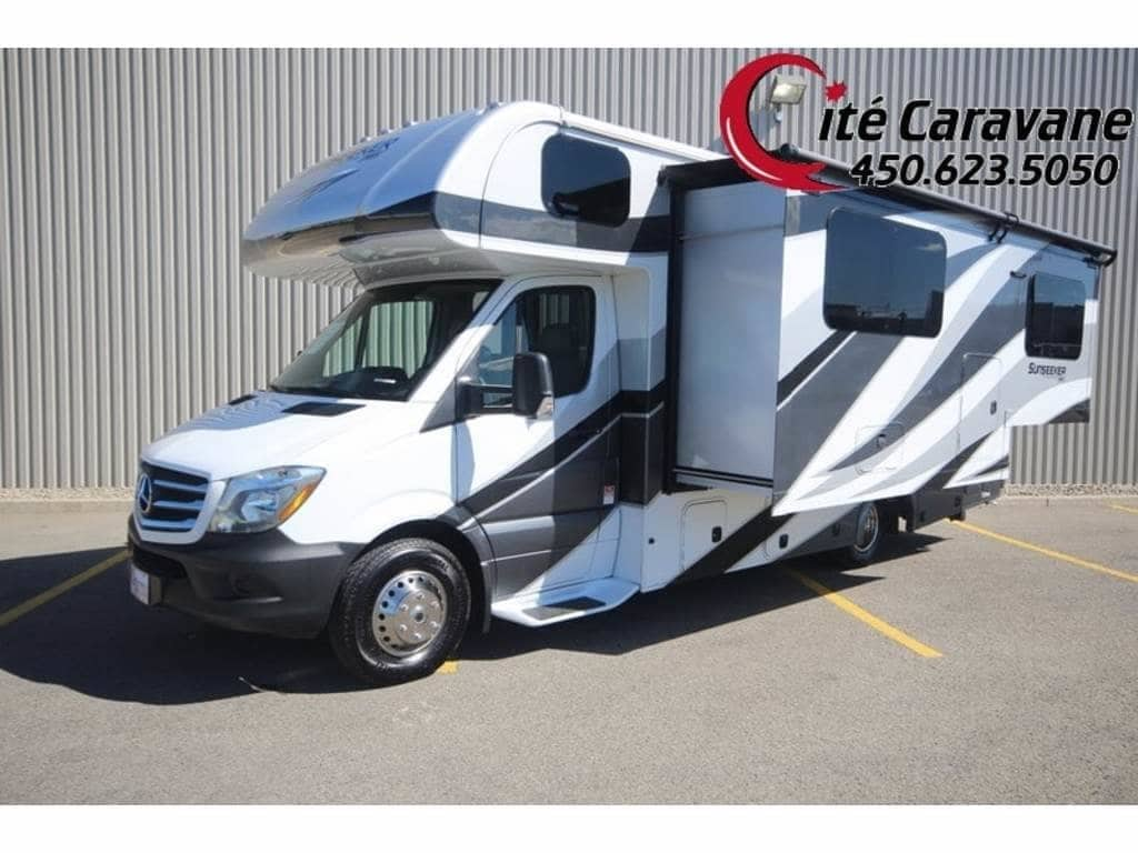 2019 FOREST RIVER SUNSEEKER 24W / 2400W CLASSE C VR/RV NEUF MERCEDES DIESEL + EXTENSION FULL WALL + FULL PAINT