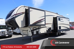 2017 CROSSROADS Cruiser CR339RL Fifthwheel 3 Slide out ! entrée laveuse/secheuse + Foyer + ilot ! WOW