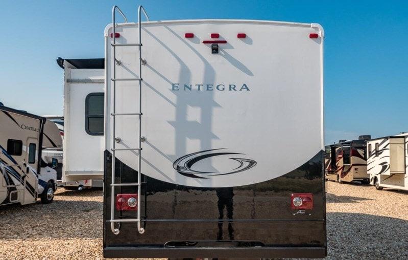 New 2020 Entegra Coach Odyssey 24B ! crics hydrauliques +