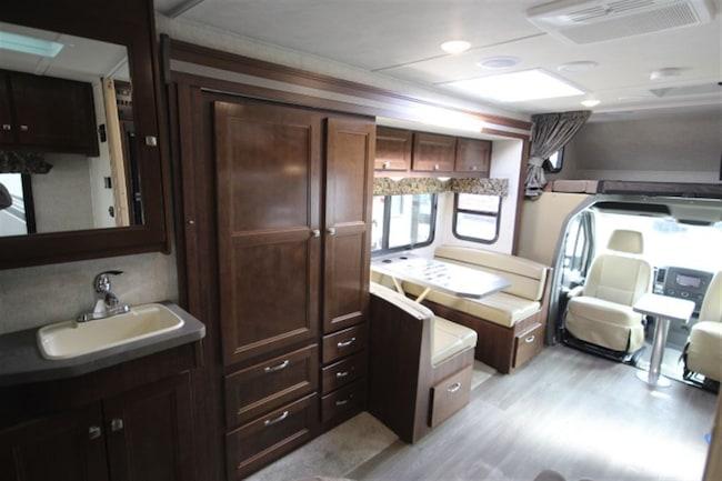 d 39 occasion 2018 forest river sunseeker mbs 2400s solera 24s 1 extensions vendre st eustache qc. Black Bedroom Furniture Sets. Home Design Ideas