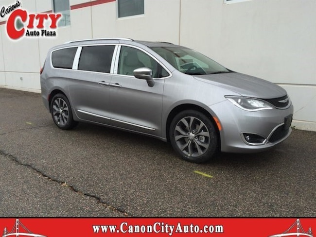 Used 2017 Chrysler Pacifica Limited Van for Sale Near Pueblo, Colorado