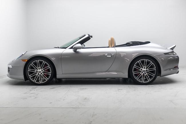 2016 Porsche 911 C2S Cab, Sport design Pkg, 20'' Turbo wheels Convertible